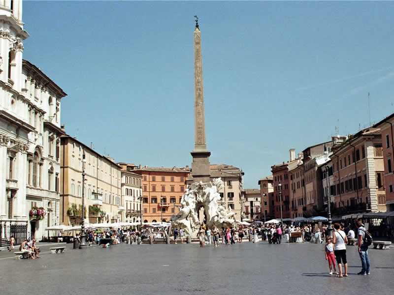 Piazza Navona: Rome tour guide