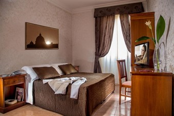 cheap places to stay in rome: Hotel Ciao