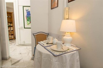 bed and breakfast near colosseum rome: 2 Be Home Colosseo