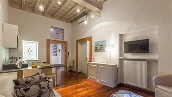 places to stay in rome: Spanish Steps Apartment